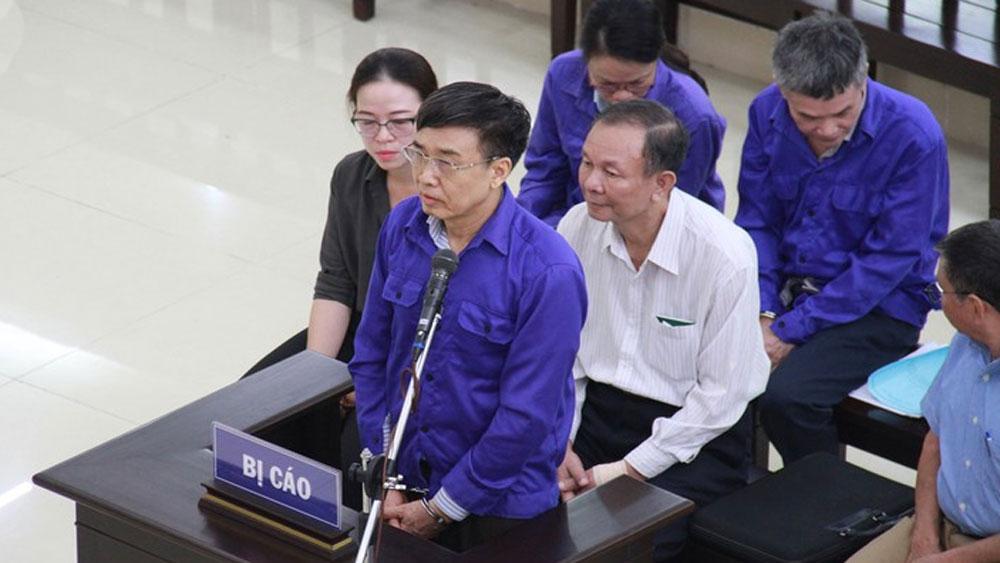 Cựu Thứ trưởng Lê Bạch Hồng khai gì tại tòa?